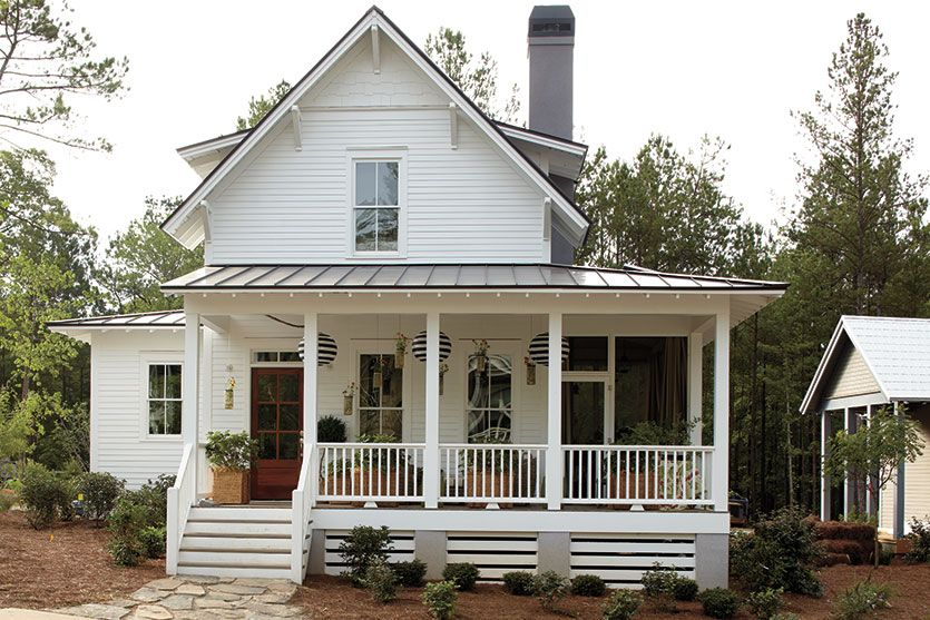 How to Pick Exterior Paint Colors White farmhouse