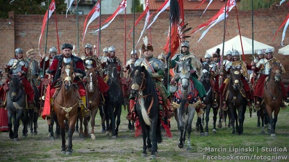 Chorągwie Najjaśniejszej Rzeczypospolitej/ Husaria/ https://www.facebook.com/photo.php?fbid=1725326921031793&set=pcb.1725327144365104&type=3&theater
