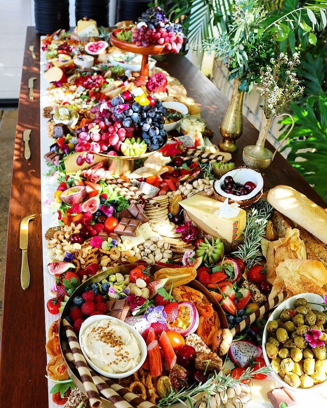 Wedding Reception Food Trays: Yummy Foods And Drinks In 2019