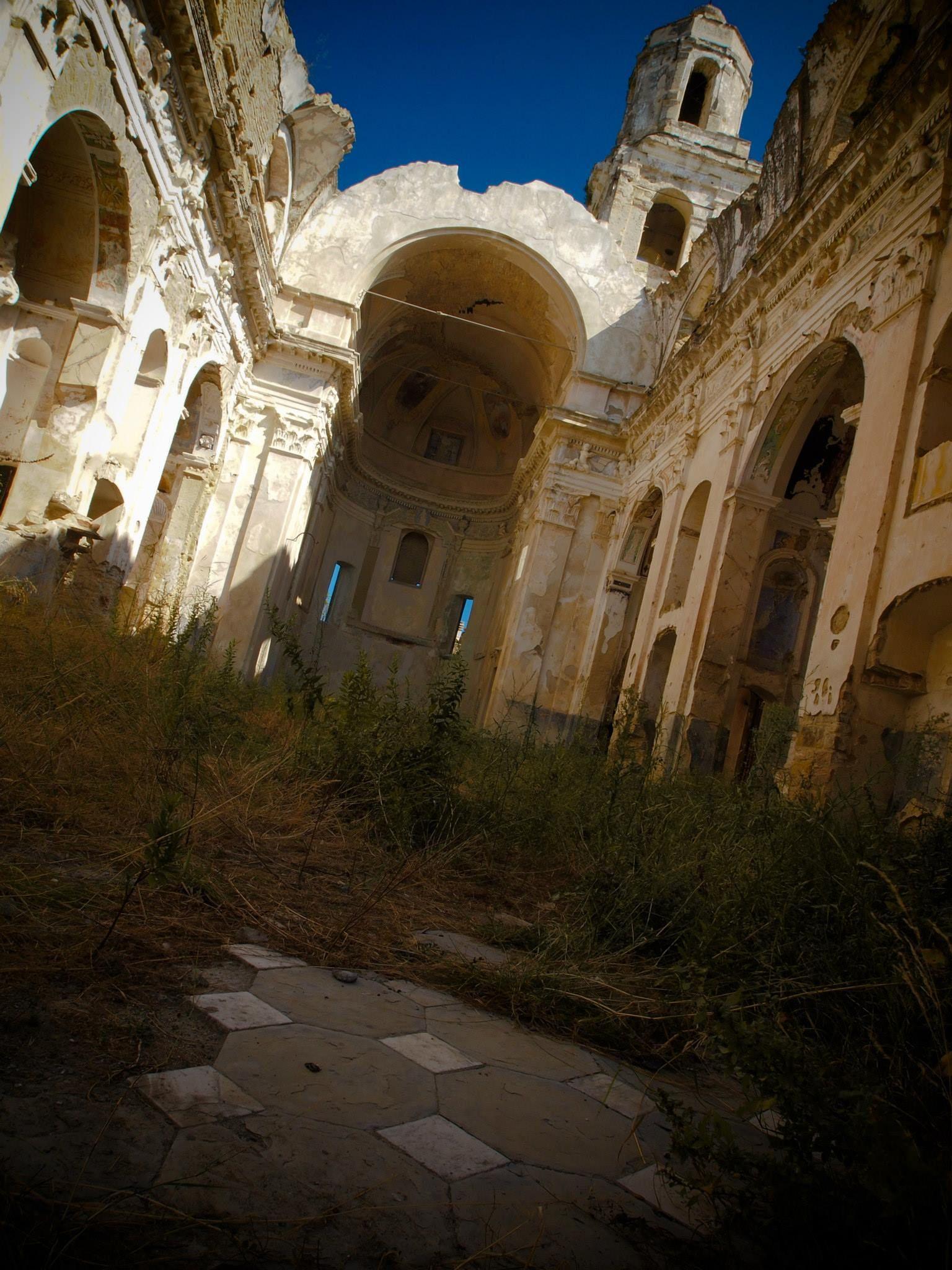 306 La Chiesa Di Bussana Vecchia Imperia Liguria Foto Di