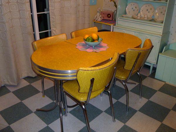 350 Obo 1950 S Tru Chrome Vintage Chrome Formica Yellow Dinnette Set Retro Kitchen Tables Yellow Kitchen Tables Retro Dining Table