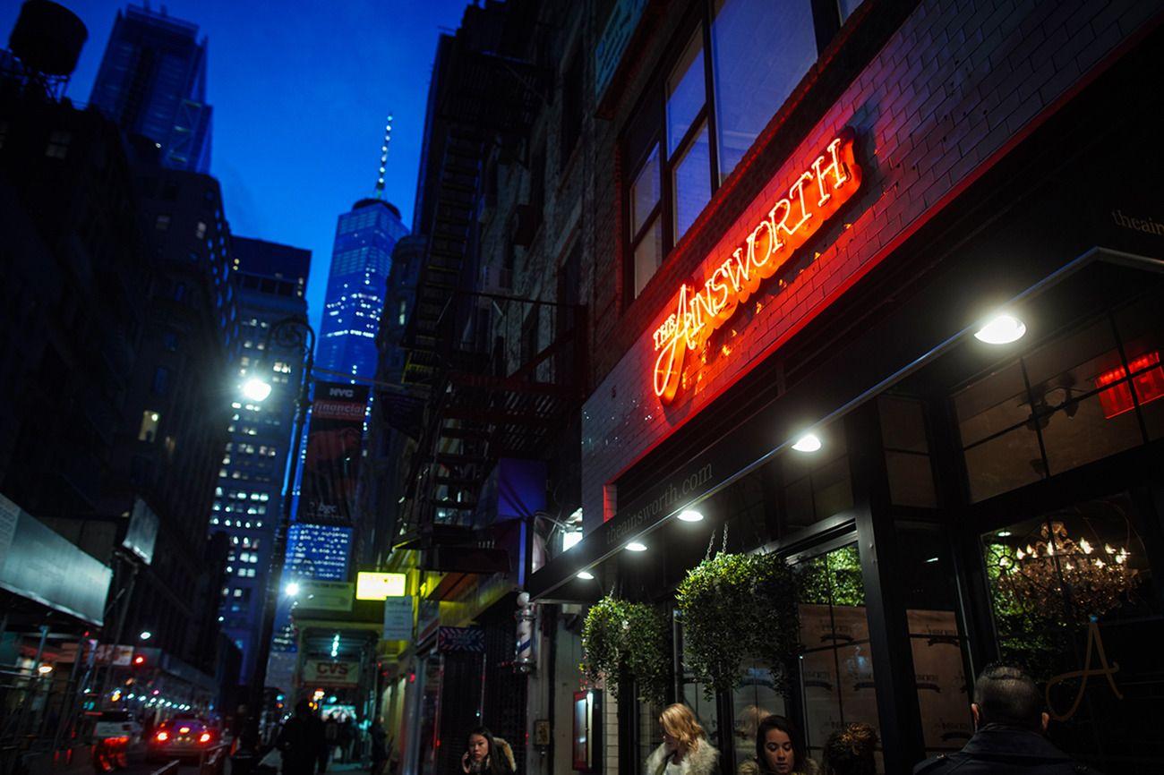 The Ainsworth Restaurant Bar Burgers Sports