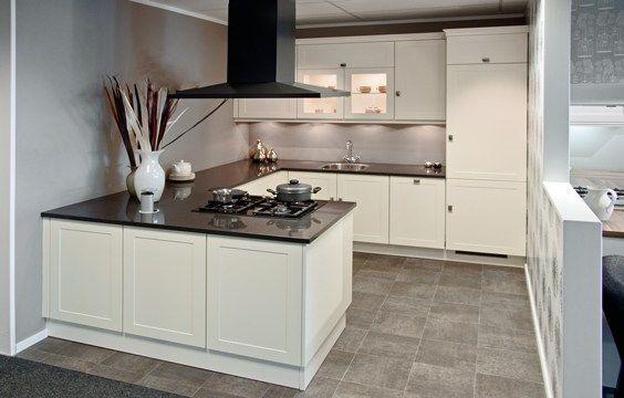 Schiereiland keuken google zoeken keukens pinterest keuken zoeken en google - Voorbeeld keuken in l ...