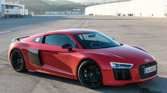 Exceptional Audi R8 2017 Is An Exotic Sports Car Is Mid Engine Two Seating Offered In Design Ideas
