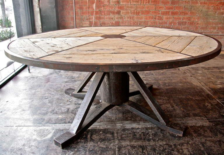 Photo : Industrial Round Table Images