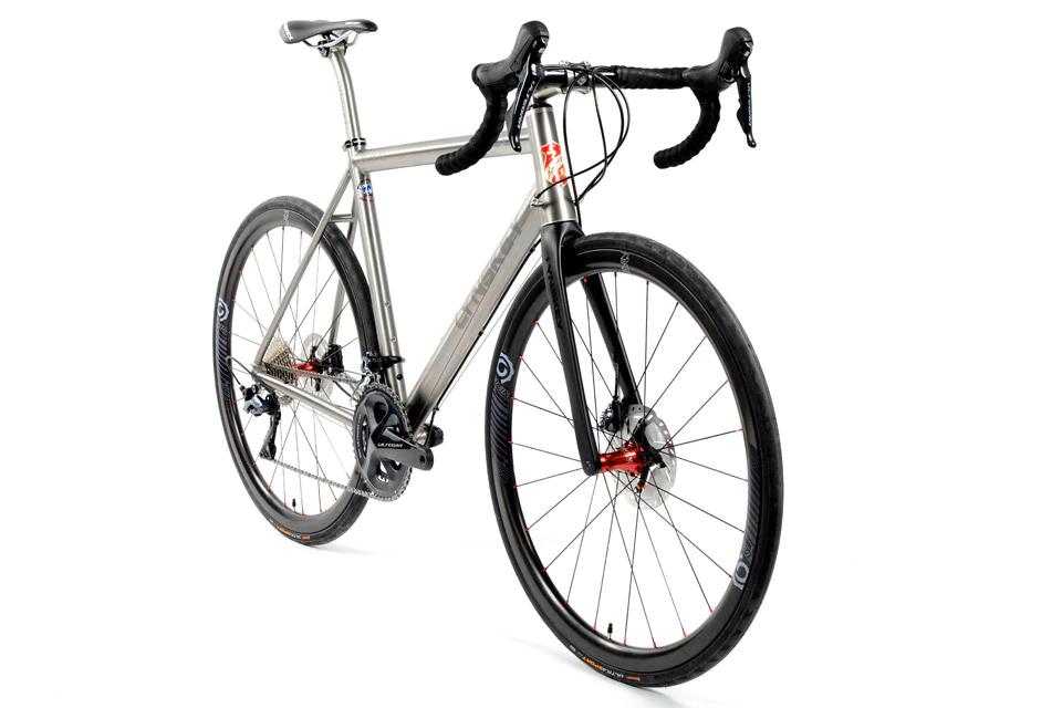 Lynskey R480 Performance Titanium Road Disc Bike Titanium Road