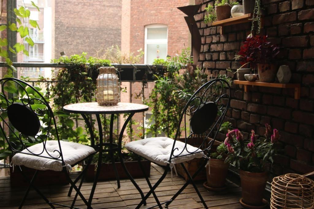 Schone Sitzgelegenheit Auf Dem Balkon Balkon Einrichtung Balcony