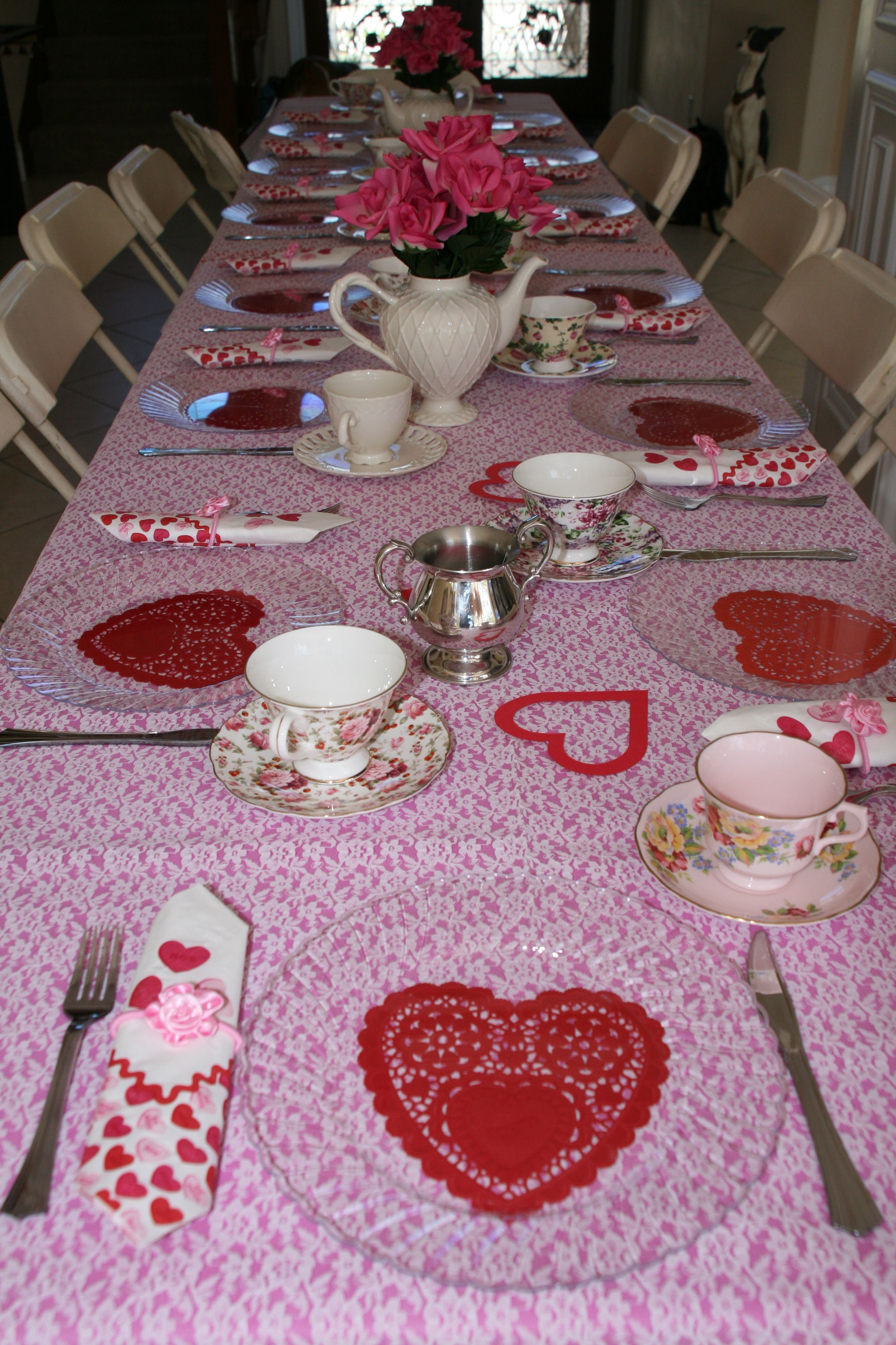 Use heart shaped doilies and clear plastic plates to set the valentines table. Use cheap & Use heart shaped doilies and clear plastic plates to set the ...