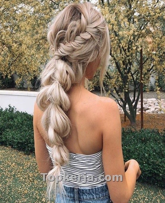 The Best Winter Hair Styles To Try This Season - Topkerja.com ,  #Hair #hairpeinadoslargo #season #styles #Topkerjacom #Winter