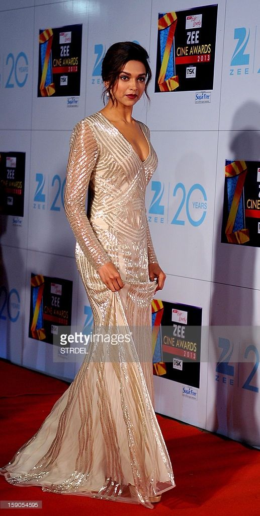 Indian Bollywood Actress Deepika Padukone Attends The Zee Cine Awards Deepika Padukone Gown Deepika Padukone Style Indian Bollywood Actress