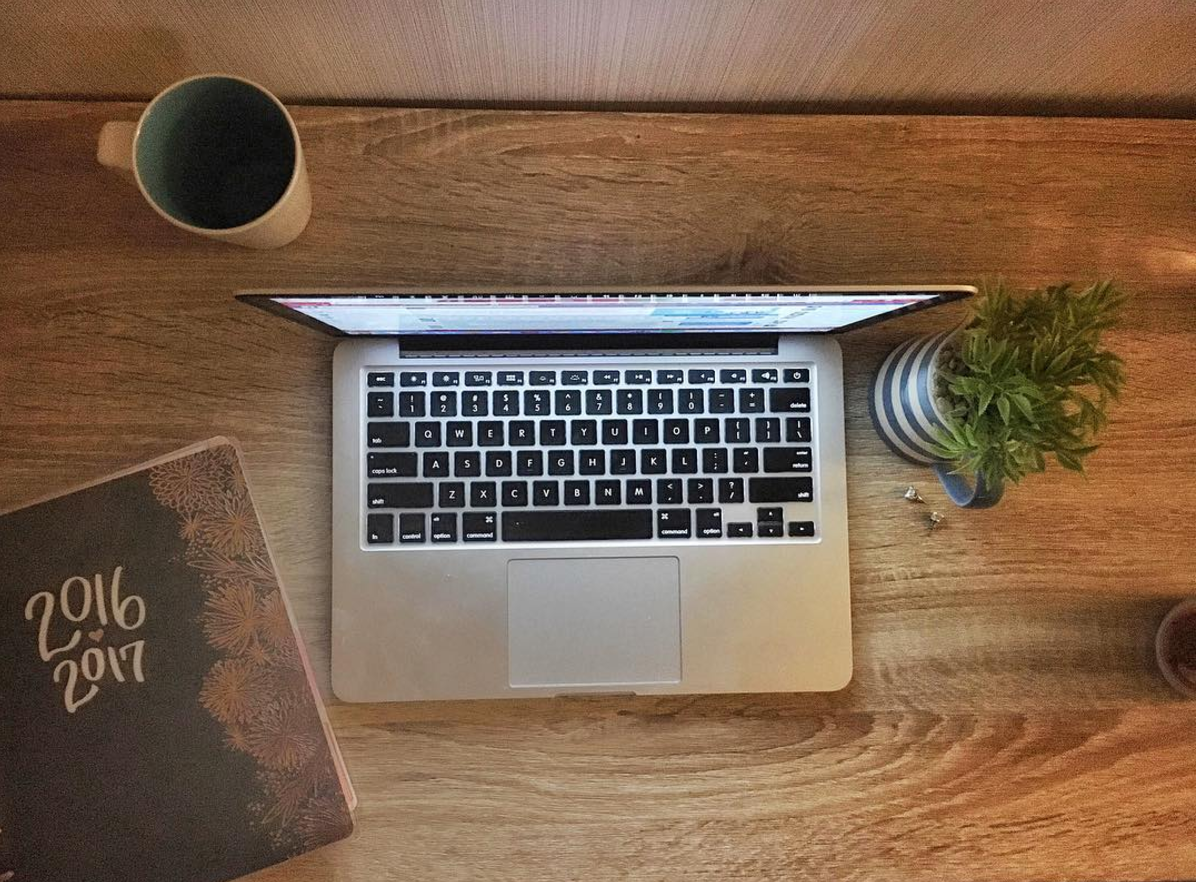 If only my desk could always look like this   #desk #office #digitalnomad #organization