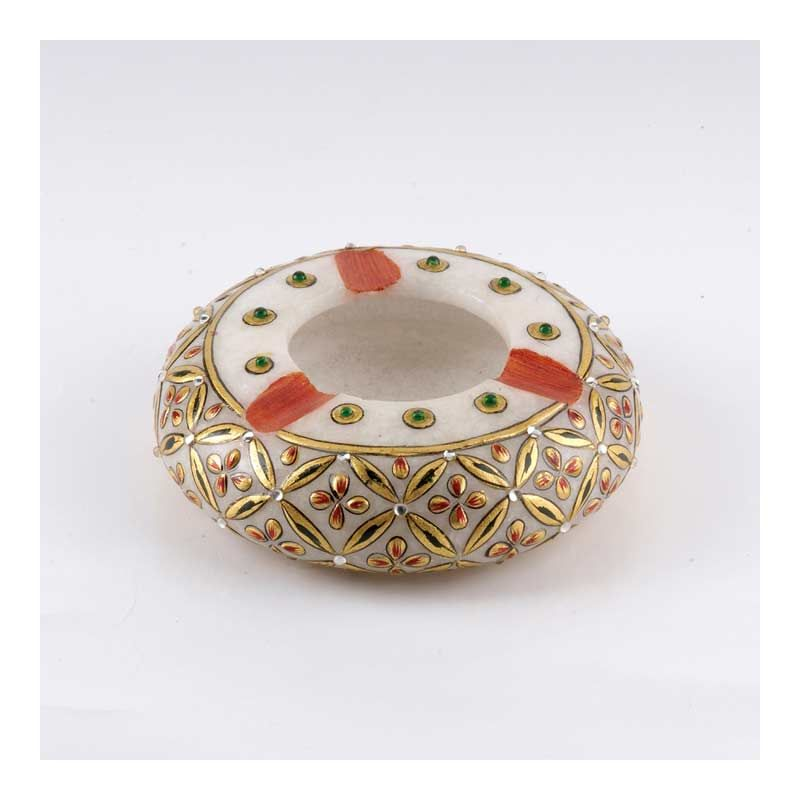 Marvel in Marble - Ash Tray - 23 K Gold Embossed Ash Tray with Meenakari and Kundan work - A masterpiece in marble! Adorned with subtle stokes of gold work to add brilliance to your home décor.  http://www.indiaplaza.com/marvel-in-marble-ash-tray-handicrafts-gft321200654551apn25-10.htm?utm_medium=social-media_campaign=Pinterest+daily+updates_source=Pinterest