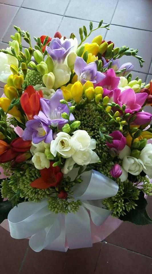 Ich Liebe Fresien In 2020 Beautiful Flowers Beautiful Flower Arrangements Beautiful Rose Flowers
