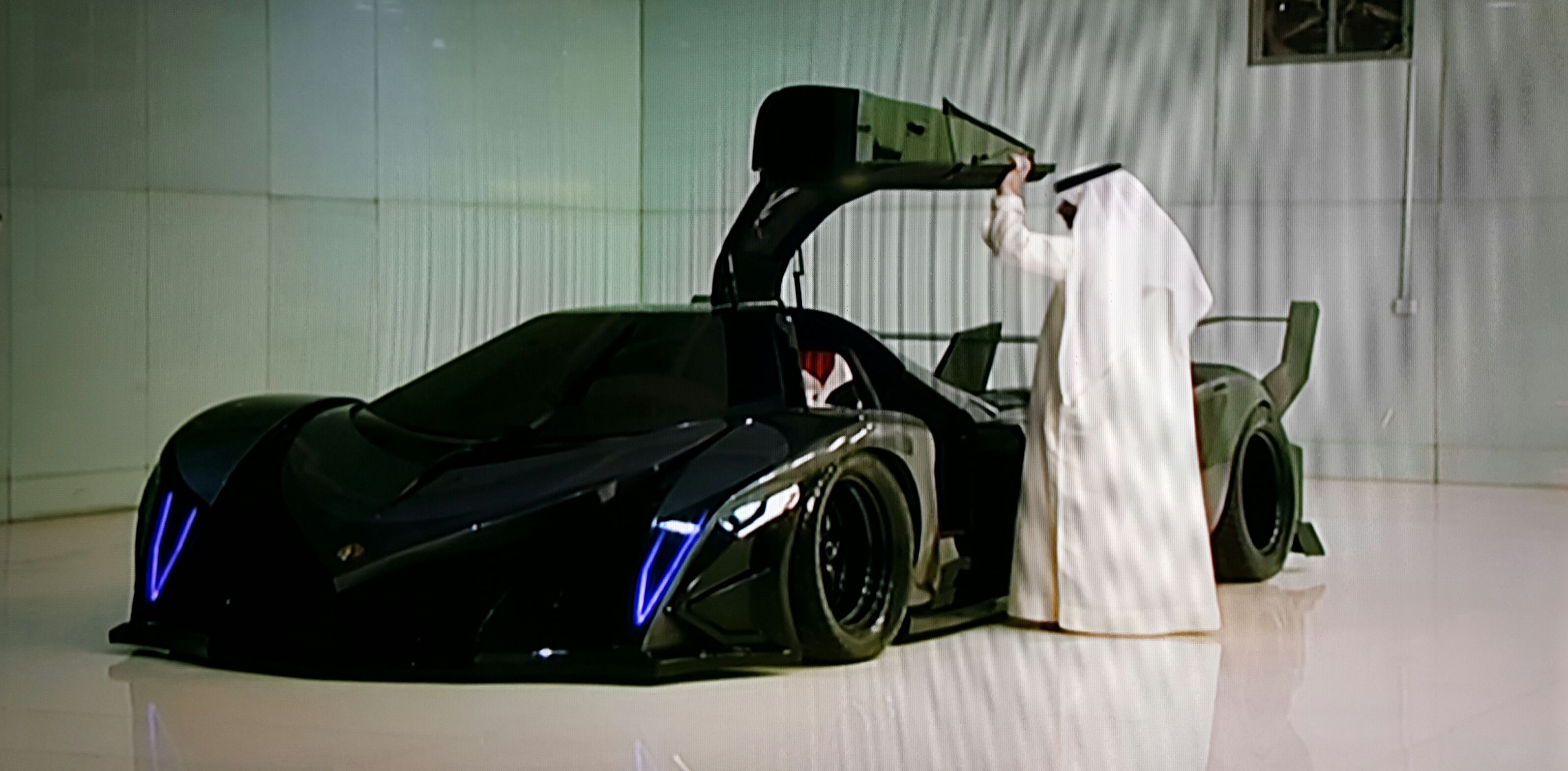 Devel Sixteen Bing Images Super Cars Motor Works Tractor Tanks