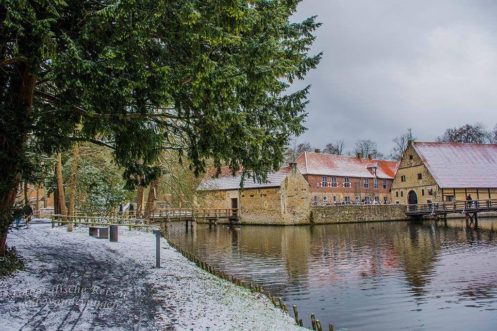 Burg Vischering Und Burg Ludinghausen Im Munsterland Burg Museum Insel Munster