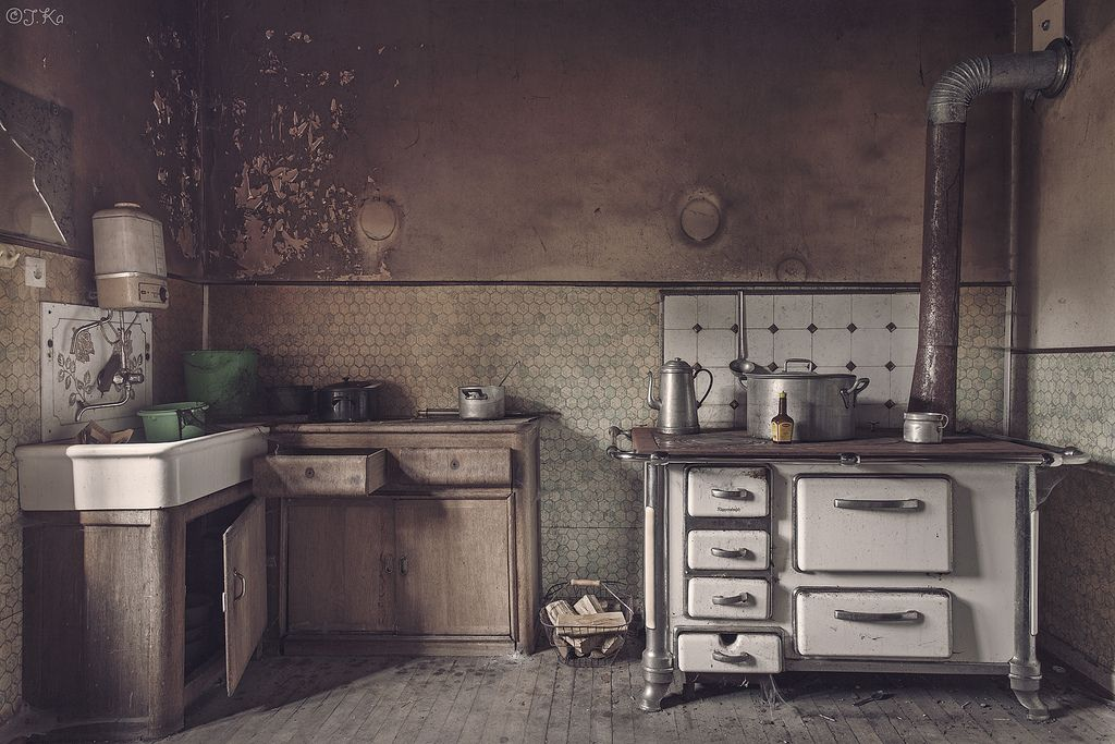 Great-Granny\'s Kitchen | Abandoned, Switzerland and Abandoned places