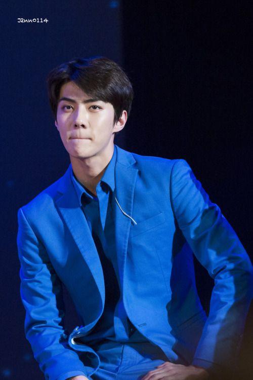 Sehun - 160401 Lotte World 'EXO's Secret Night' Credit: J2nn0114. (롯데월드 '엑소의 시크릿한밤')