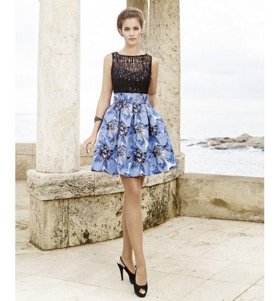 4376cf1f3483e Vestido de fiesta corto falda de vuelo estampada