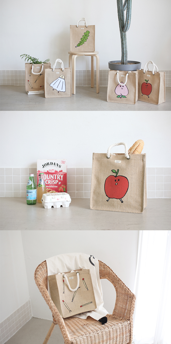 There are so many eye-catching features in the JAM JAM Jute Bag. The durable and attractive jute material, the super adorable illustration on the front, unique rope type handles and the spacious compartment! My current daily bag is expected to be replaced by this attractive bag!