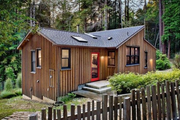 840 Sq Ft Modern and Rustic Small Cabin in the Redwoods Cabin