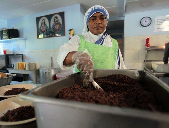 Nuns Can Feed The Poor Miami Soup Kitchen Miami Nuns