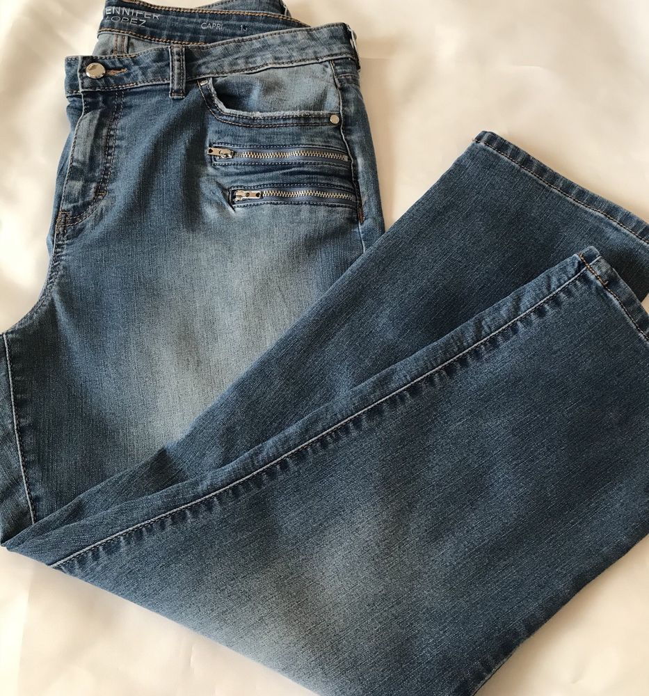 8ead7dfa4e6e1 Jennifer Lopez Distressed Womens Capri Jeans Light Wash Size 16   JenniferLopez  CapriCropped