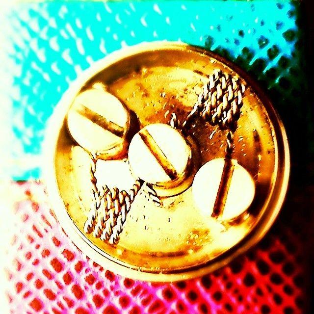 Twisted .40 mm hella flava builds  #mephisto #cotton #macrocoils #vapeon #vape #potzbox #bulakboy #Padgram
