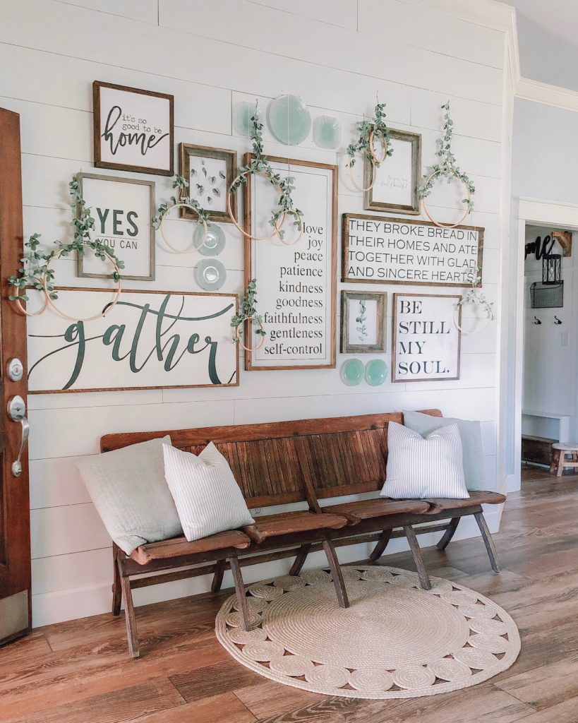 14 farmhouse living room wall decorations ideas