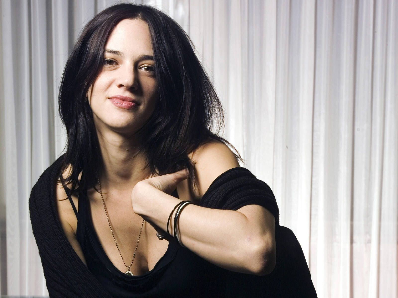 Asia Argento Hot Hd Wallpapers Asia Argento Women Beautiful Actresses