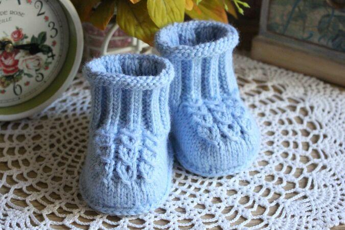Strickanleitung für Babyschuhe | Strickmuster baby, Socken ...