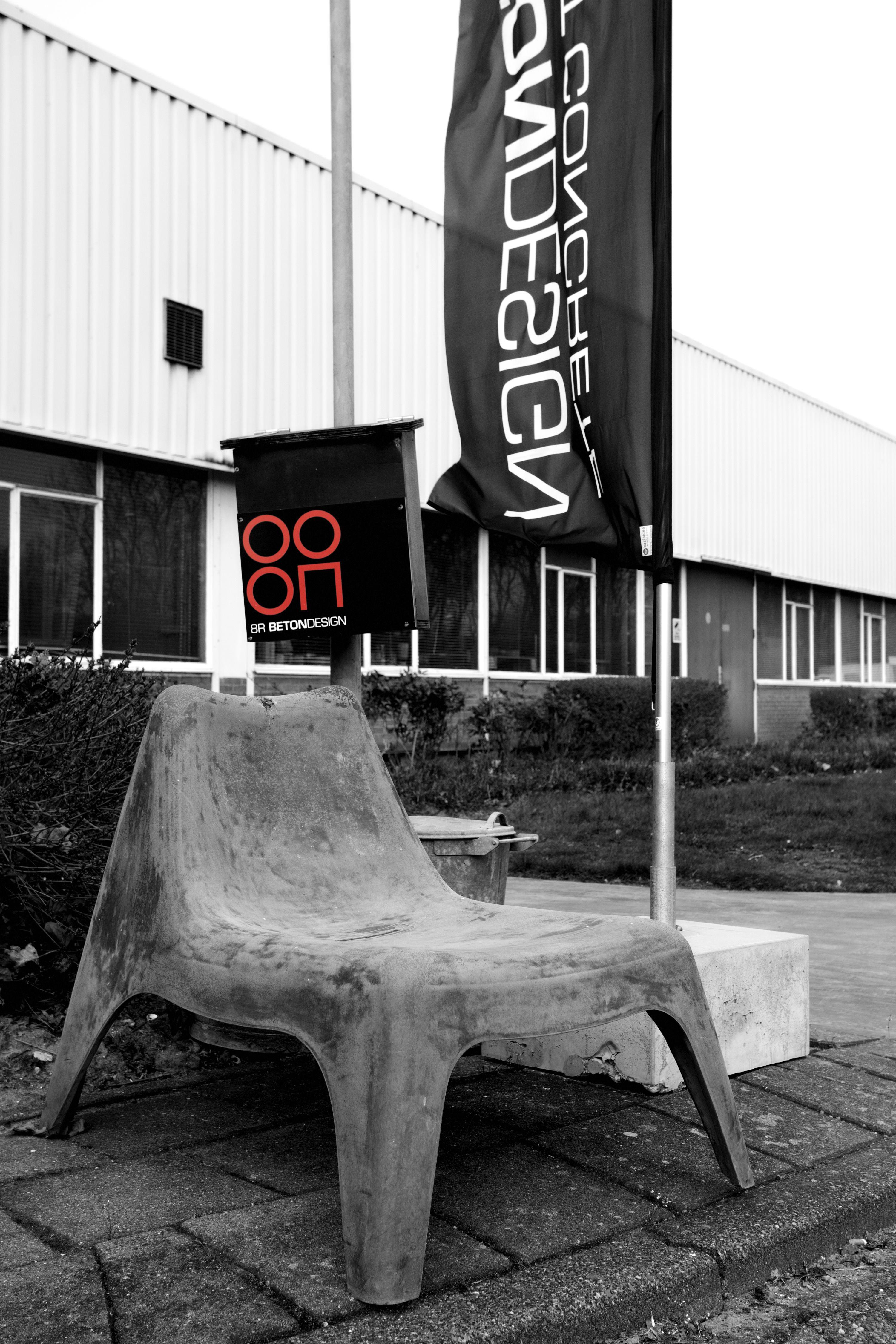 Betonnen stoel  Concrete chair GFRC