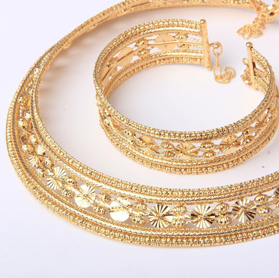 طوق و سوار من ماسة دوريكا كولكشن ذهب صافي عيار ٢١ يوجد شحن الى جميع انحاء العالم للطلب و التسعير او الأستفسار يرجى ال Gold Bracelet Jewelry Gold