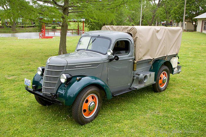 1940 International D-15-H (heavy)