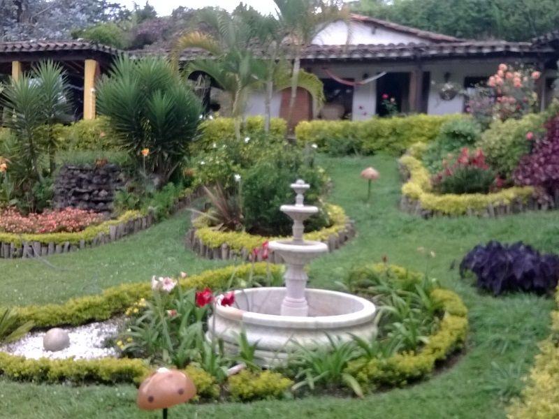 Decoracion terrazas campestres buscar con google casas - Jardines en casas de campo ...