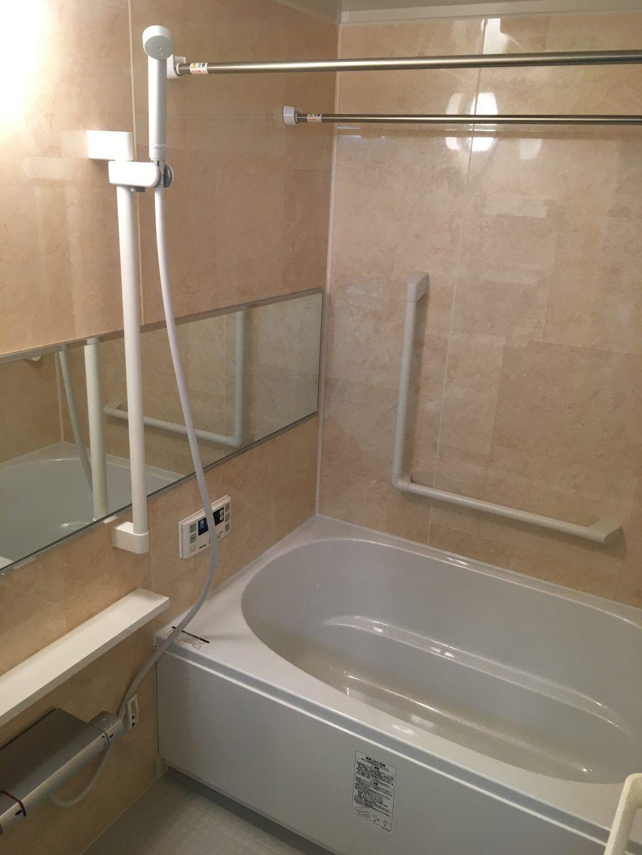 Lixil横鏡のお洒落なユニットバス ユニットバス 浴室 坪庭 リフォーム