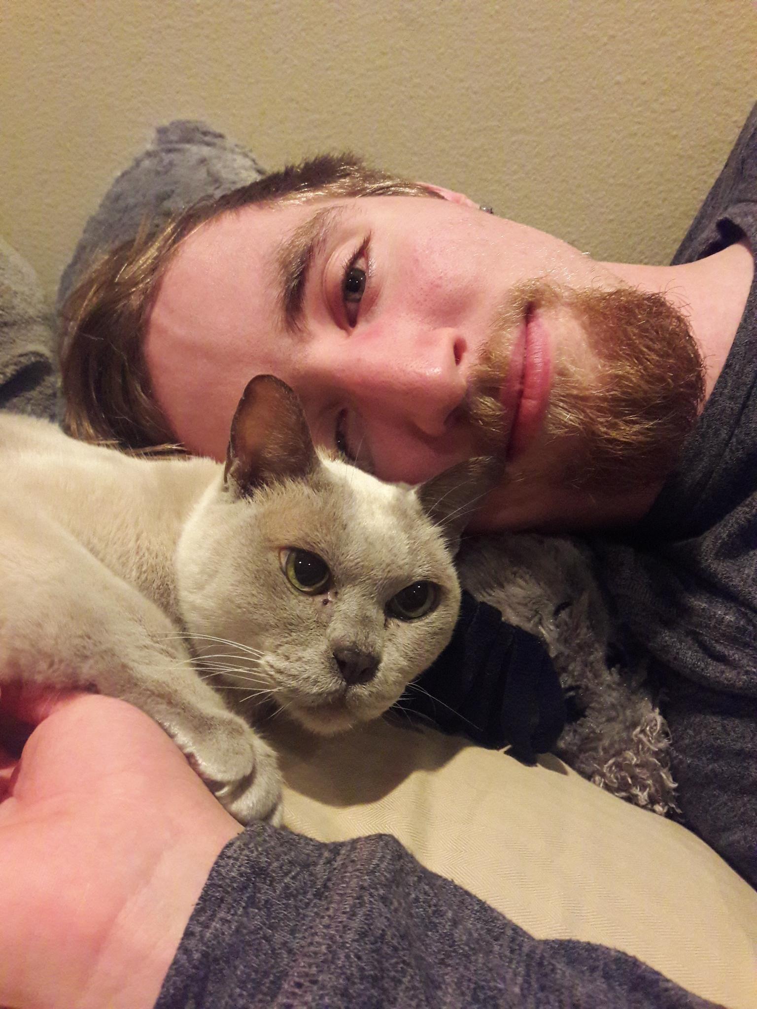 My boyfriend with his cat http://ift.tt/2pSGXMw