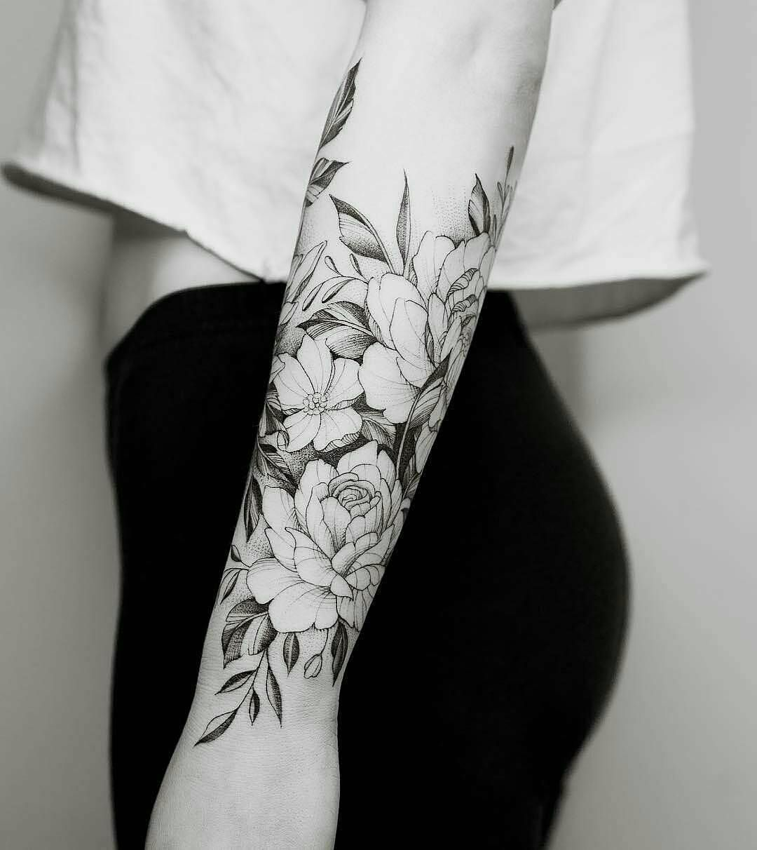 100 Tattoo Flower Tattoo Art And Sculpture Feminine