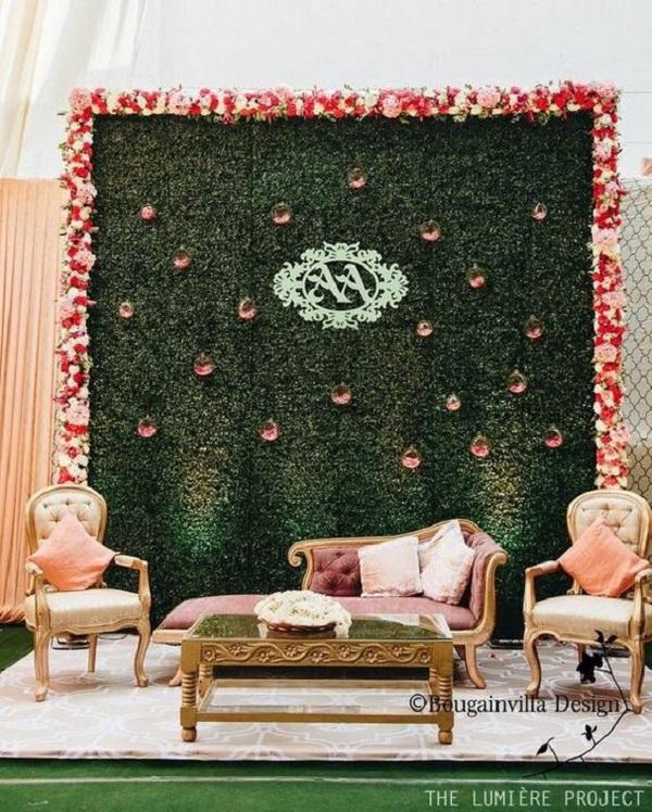 40 Engagement Stage Decoration Ideas Perfect For Adding Oomph To Your Special Day Di 2020 Dekorasi Panggung Pernikahan Dekor Tema Pernikahan