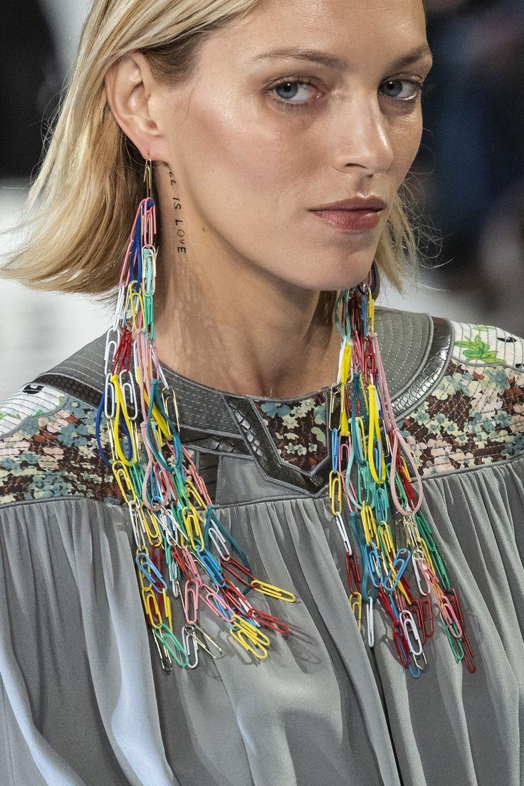 Stella McCartney at Paris Fashion Week Fall 2019 #fall2019fashiontrends