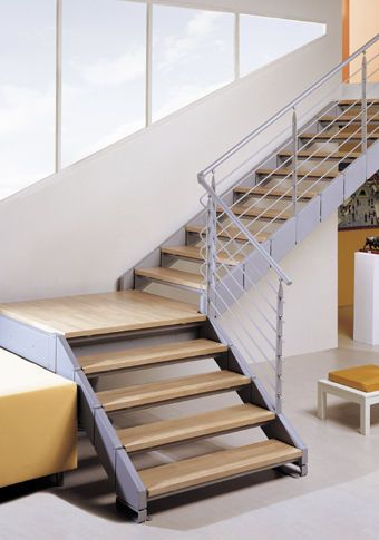 Best Quarter Turn Staircase Metal Frame Wooden Steps 640 x 480