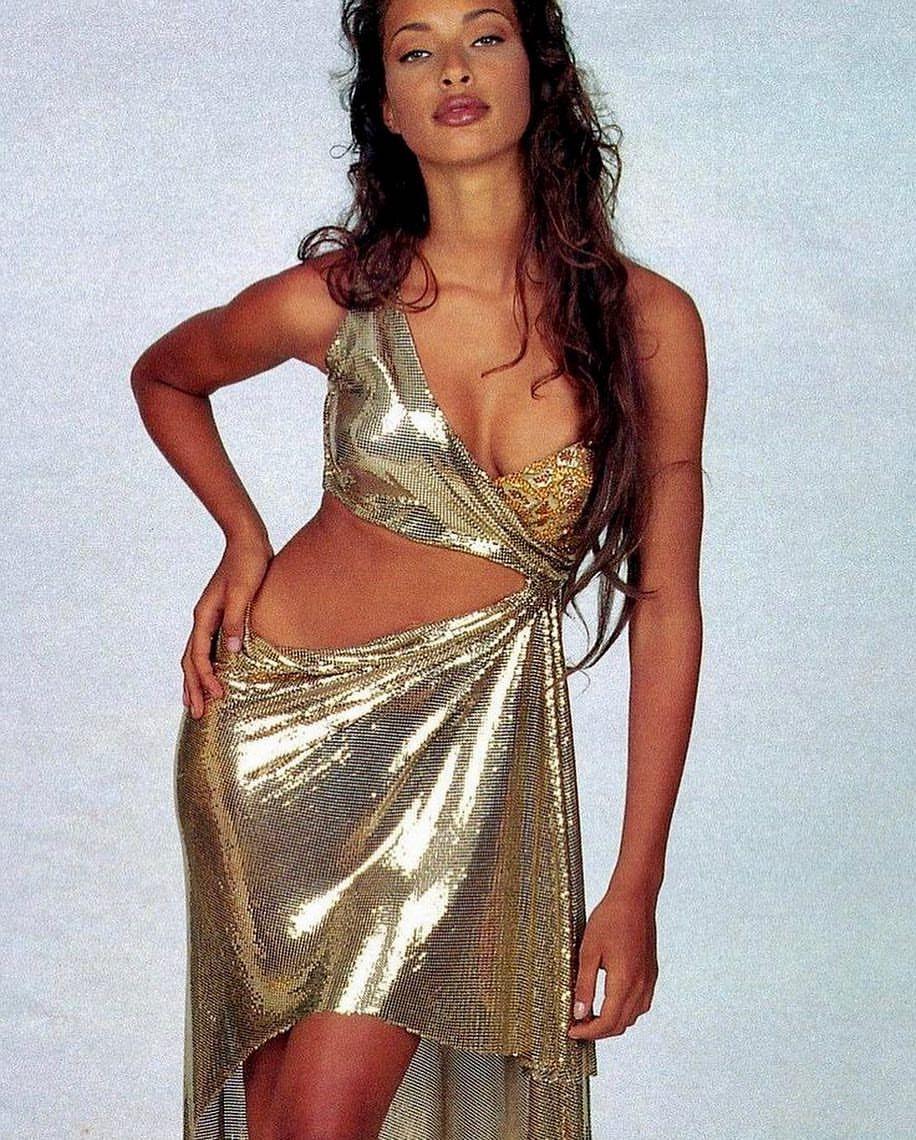 Brandi Quinones Gianni Versace Fall 1994 RTW in 2019