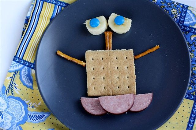 Recetas De Cocina Creativa Para Niños Fun Kid Snacks With Bananas Butter With A Side Of Bread Comidas