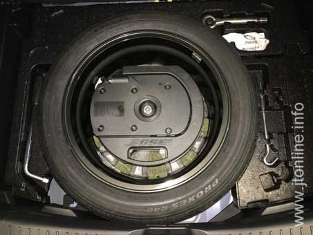 How to install an 18 inch spare wheel in a Mazda CX-3 | Mazda CX-3