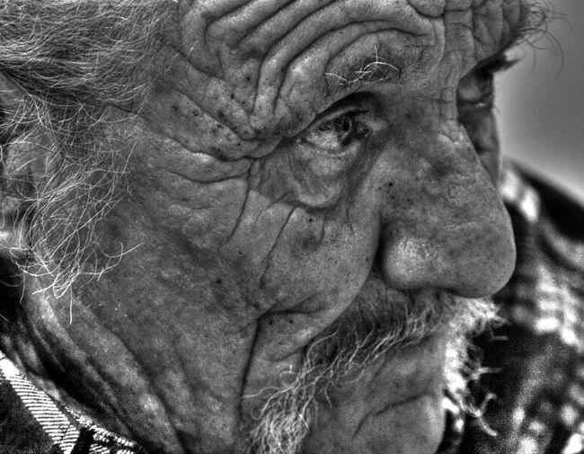 A provencalois gentleman. http://mahons.org/dm-test/