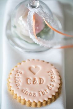 Give away wedding Gastgeschenke aus der Backstube von www.suess-und-salzig.de Keksstempel von www.dein-keksstempel.de