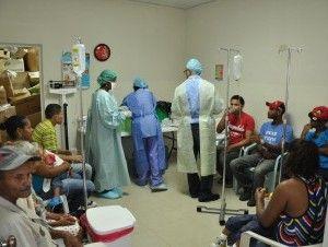 Enfermeras en Moca realizan paro en protesta por aumento salarial - Cachicha.com