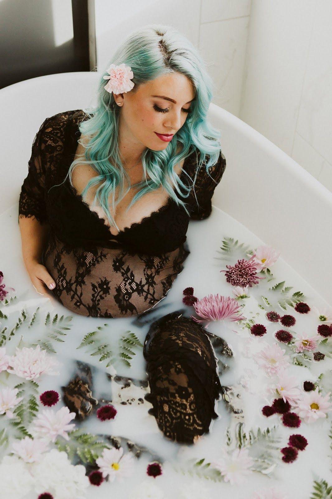 MILK BATH MATERNITY SHOOT #fallmilkbathbaby MILK BATH MATERNITY SHOOT |The Red Closet Diary | Instagram: @ jalynnschroeder | maternity, maternity dress, blue hair, milk bath, floral milk bath, 38 weeks, second pregnancy, belly bump. #milkbath