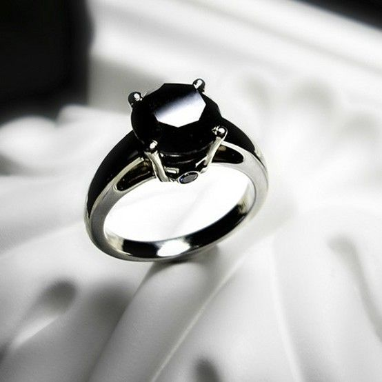 8 Reasons to Go with a Black Diamond Engagement Ring Black