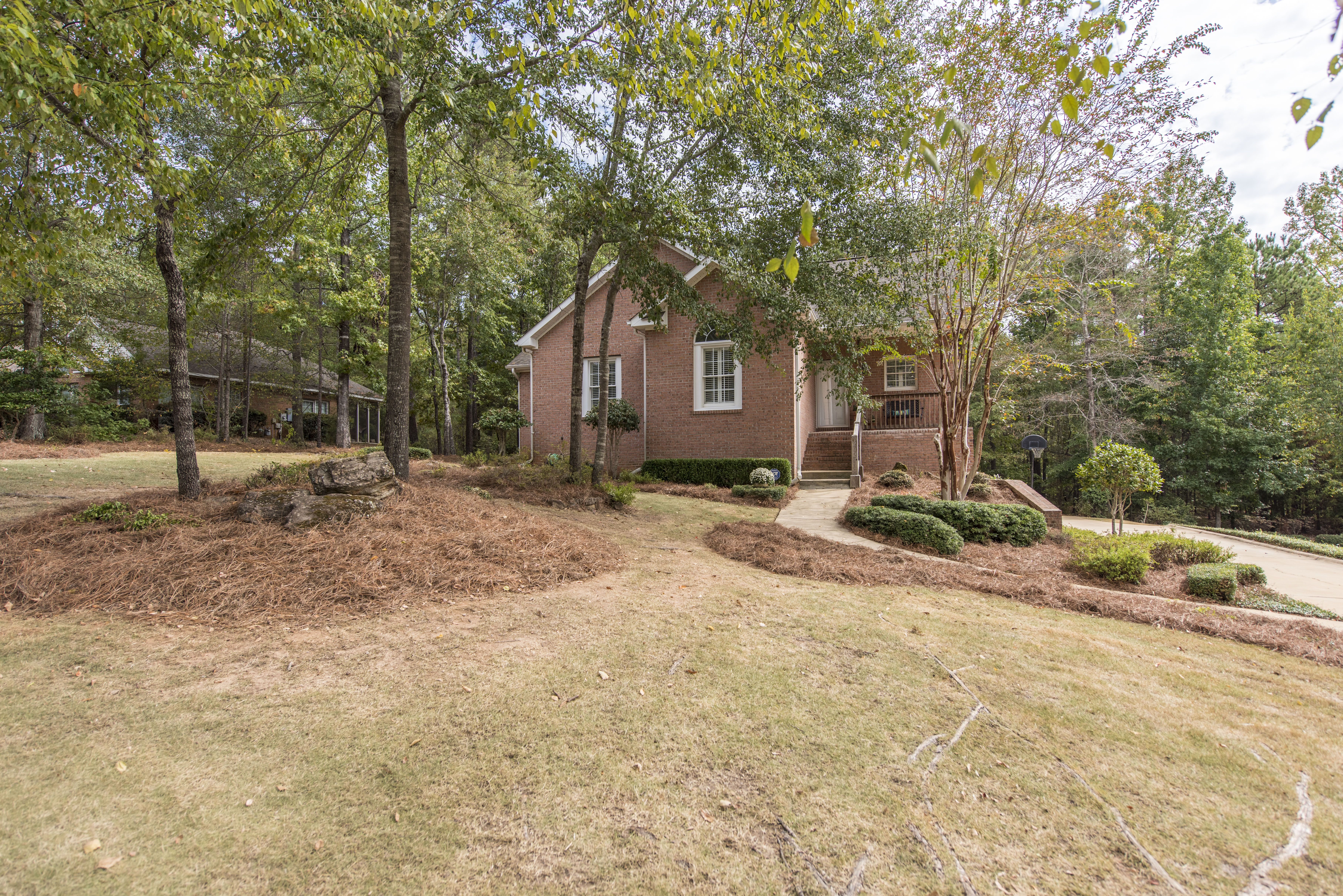 Great House At A Great Price! Full Walk Out Basement And Tons Of Living