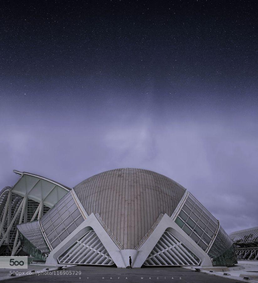 FUTURE IS COMING - Pinned by Mak Khalaf No somos nada comparado con la inmensidad del Universo. http://ift.tt/1sNFFgS Performing Arts architecturebuildingcienciasciudadconceptualfinefuturemaciasnigthoroyplatarafaspainstreetvalenciavalencian community by oroyplata